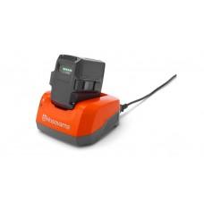 Nabíječka baterií Husqvarna QC 330